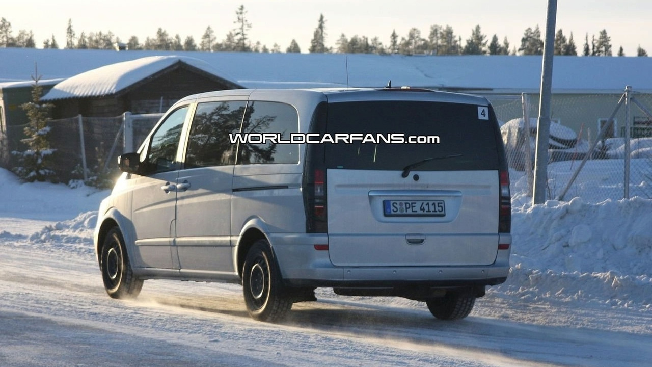 Mercedes-Benz Viano facelift spy photo