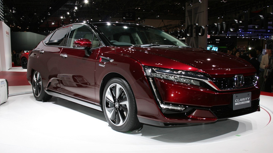 Honda CLARITY FUEL CELL arrives in Tokyo ahead of next year's launch