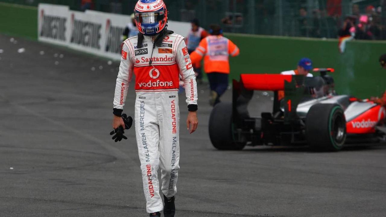 Jenson Button (GBR), McLaren Mercedes and Sebastian Vettel (GER), Red Bull Racing, accident - Formula 1 World Championship, Rd 13, Belgian Grand Prix, Sunday Race, 29.08.2010 Spa, Belgium