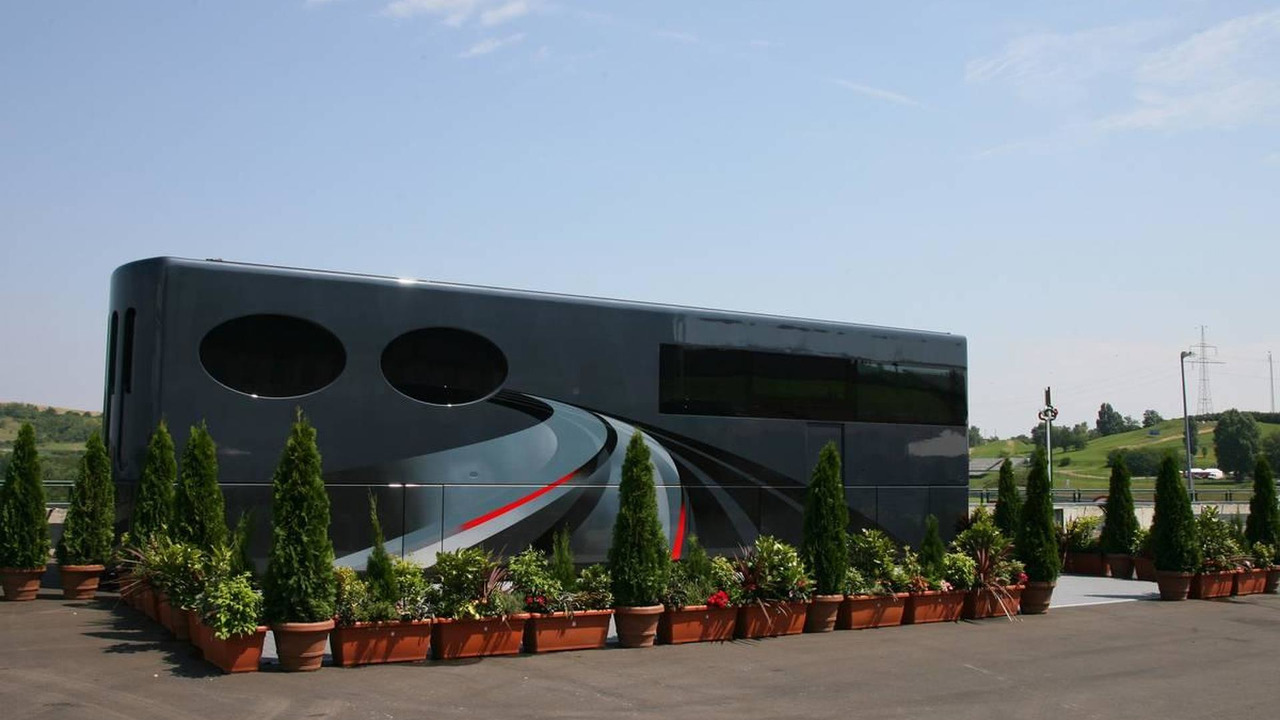 Bernie Ecclestone (GBR), President and CEO of Formula One Management, Motorhome, Hungarian Grand Prix, 31.07.2008 Budapest, Hungary