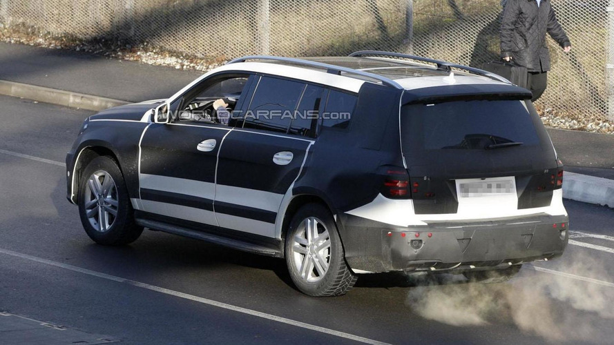 2013 Mercedes GL spied with AMG package