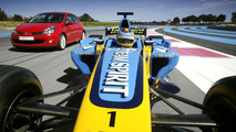 Renault F1 Car and Clio RS 197