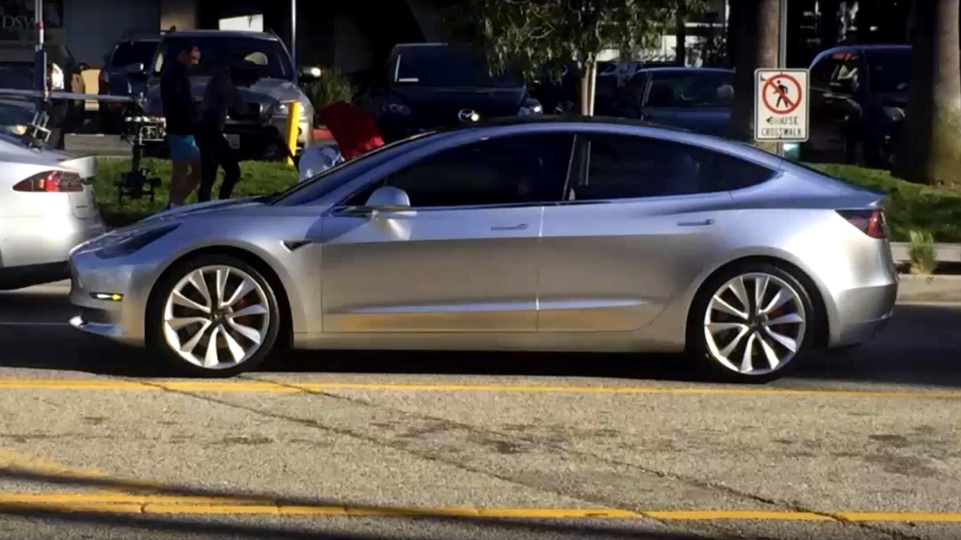 Tesla Model 3 spotted in broad daylight filming