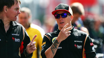 Lotus apologises after Permane death threats [videos]