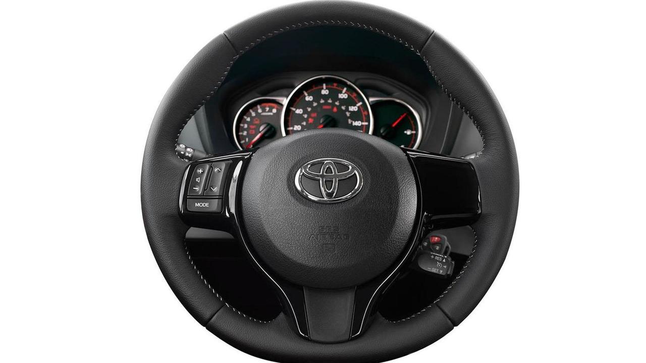 2015 Toyota Yaris (US-spec)