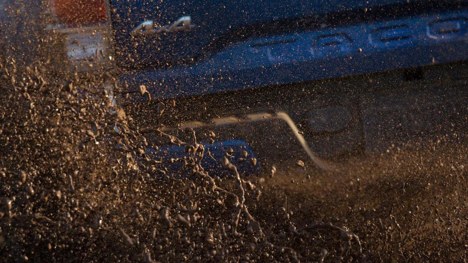 2016 Toyota Tacoma teased, debuts January 12th