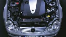 Mercedes C 220 CDI four-cylinder diesel engine