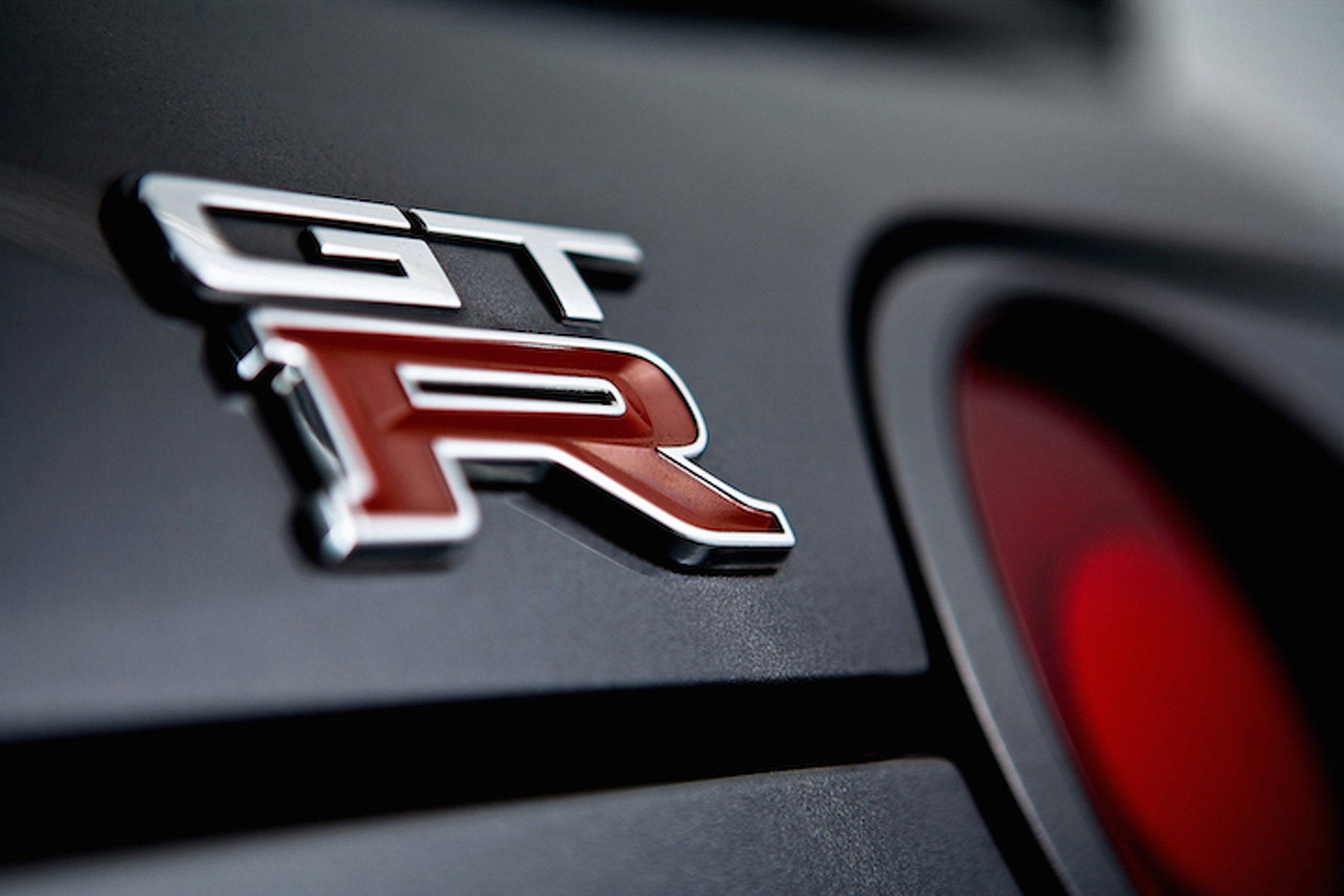 Nissan Teases New-ish GT-R Supercar For New York Auto Show