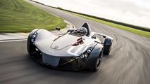 Watch the BAC Mono blow the McLaren P1 GTR away