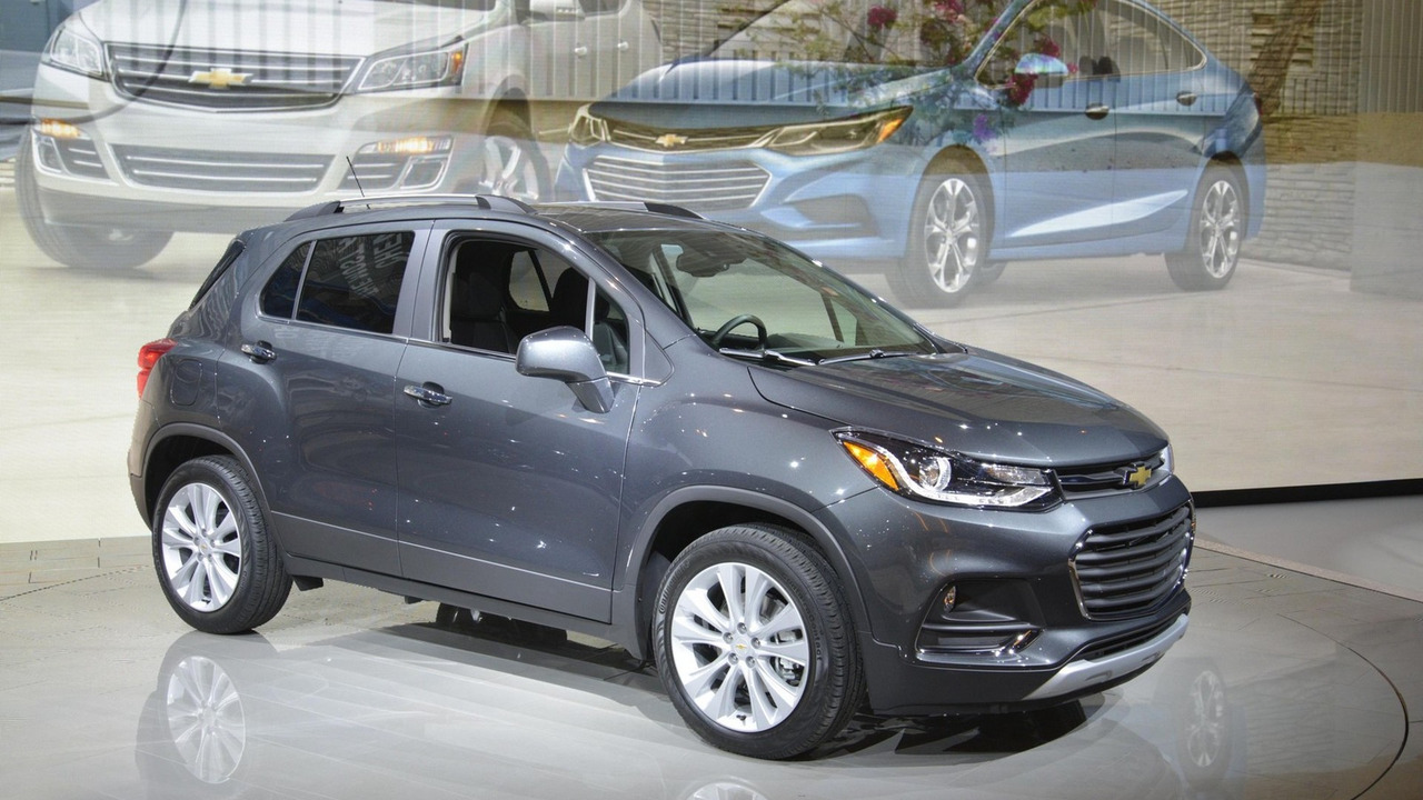 2017 chevy trax shows its new face in chicago. Black Bedroom Furniture Sets. Home Design Ideas