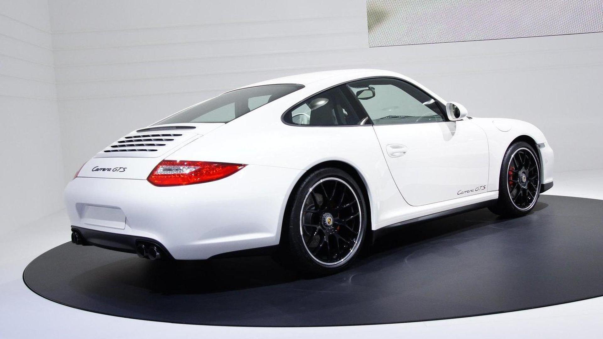 Porsche 911 GTS on the Paris show floor