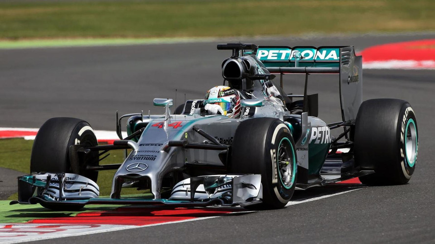 Mercedes duo tussle over title 'momentum'