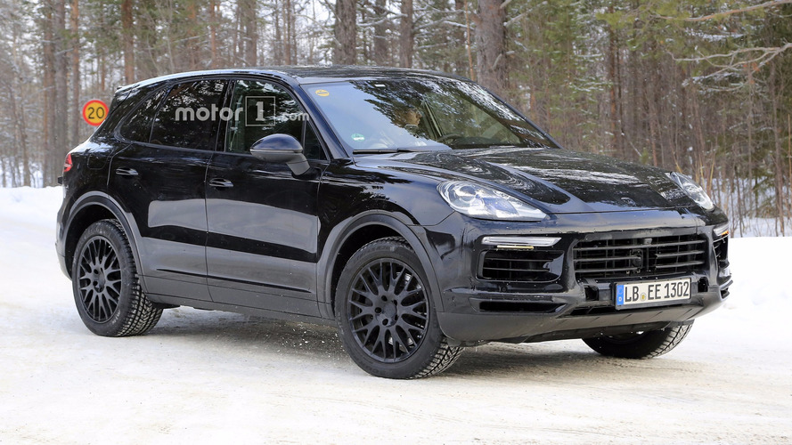 2018 Porsche Cayenne spied with very little disguise