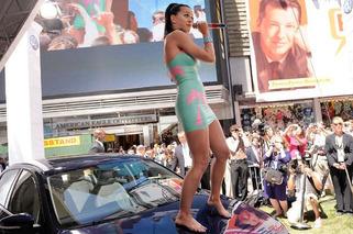 Katy Perry Buys Her Assistants Five Fisker Karmas for $500K