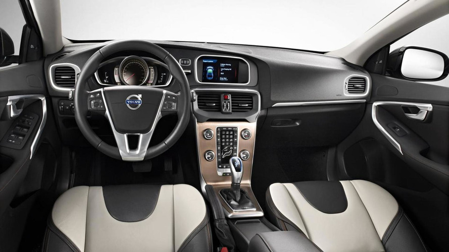 OFFICIAL: Volvo V40 Cross Country revealed ahead of Paris debut [videos]