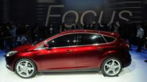 2012 Ford Focus live at 2010 Detroit Auto Show 11.01.2010