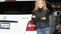 Sheryl Crow owns a R-Class BlueTEC.  M-Class pictured.