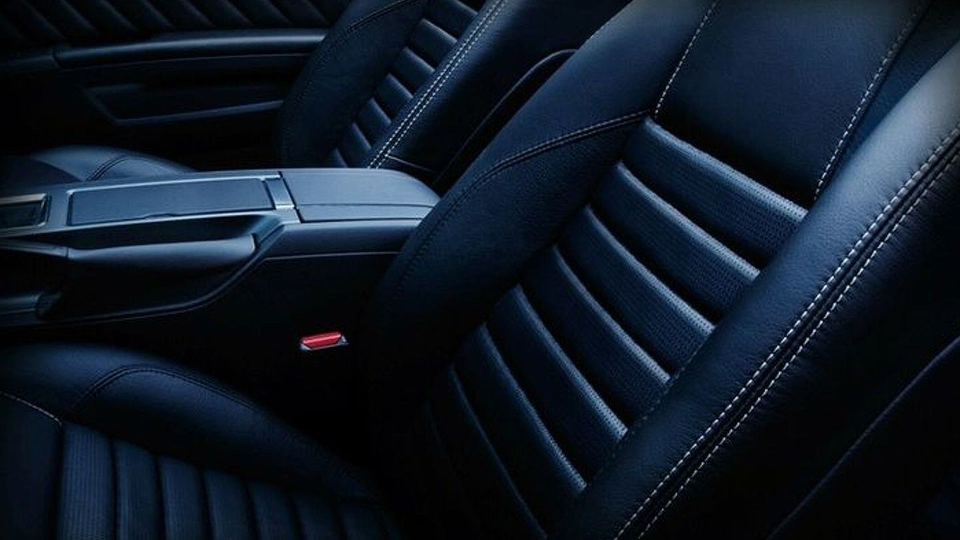 Yet More 2010 Ford Mustang Teasers Released