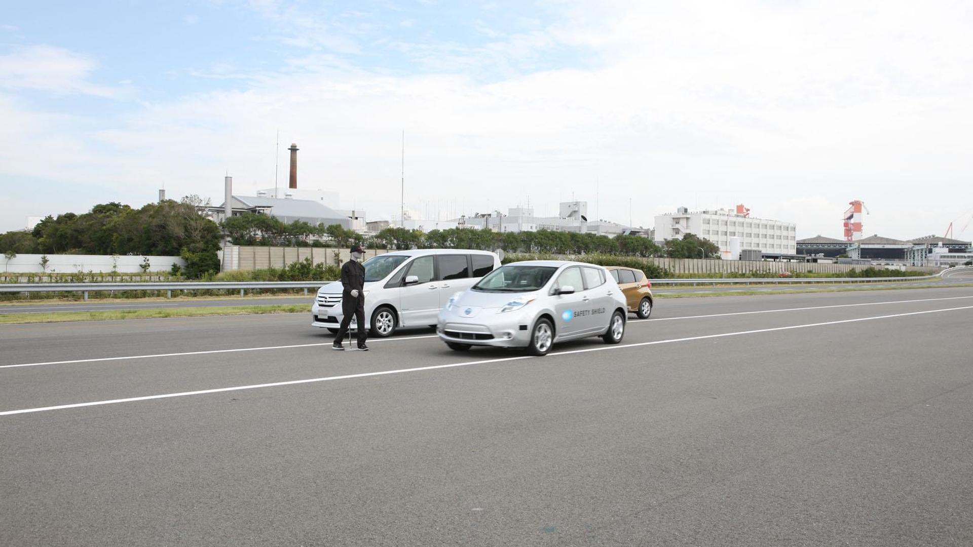 Nissan Autonomous Emergency Steering System announced [video]