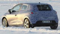 Next-gen 2014 Renault Clio prototype spy photo
