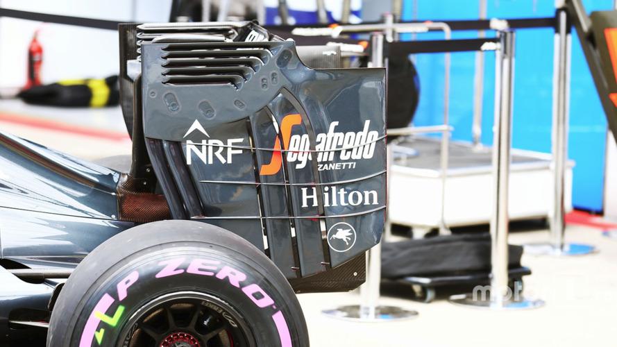 McLaren MP4-31 rear wing end plate