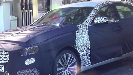 2017 Hyundai Genesis spotted near the Ring, angry test driver tries to intimidate cameraman