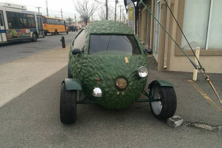 Found on Craigslist: Buy This Amazing Avocado Car!