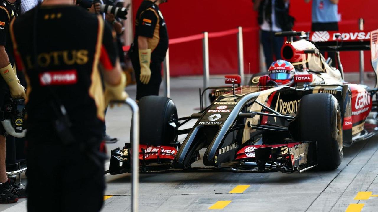 Romain Grosjean Lotus F1 E22  Formula One Testing Bahrain Test One
