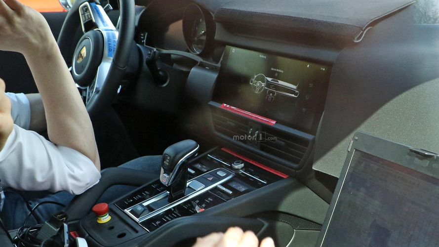 Take a look inside the 2018 Porsche Cayenne