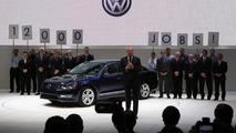 2012 Volkswagen Passat US version live in Detroit 10.01.2011