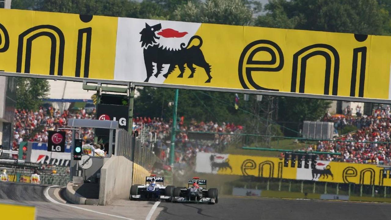 Rubens Barrichello (BRA), Williams F1 Team and Michael Schumacher (GER), Mercedes GP Petronas, Hungarian Grand Prix, 01.08.2010 Budapest, Hungary