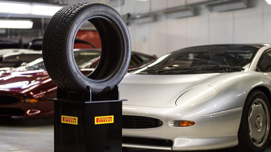 Pirelli, Bridgestone create new tires for the Jaguar XJ220