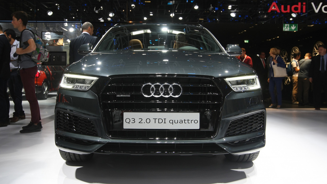 2017 audi q3 facelift makes barely noticeable debut in paris. Black Bedroom Furniture Sets. Home Design Ideas