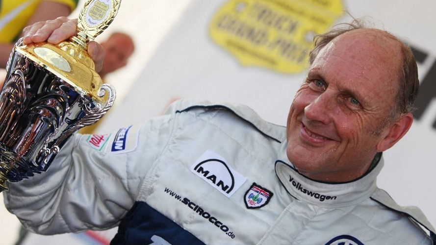 Volkswagen to discuss F1 foray in November - Stuck