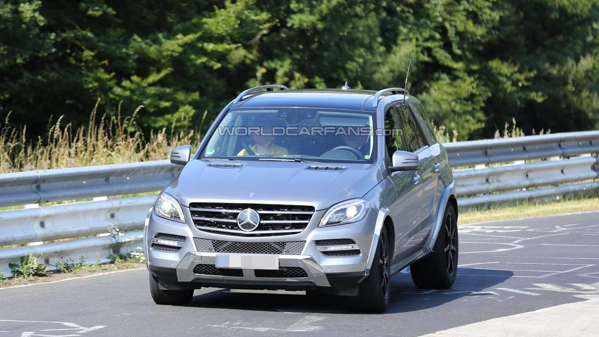 2015 mercedes benz mlc spied undergoing testing. Black Bedroom Furniture Sets. Home Design Ideas