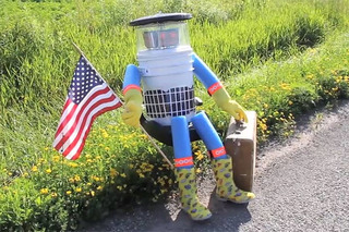This Adorable Robot is Hitchhiking Across the USA!