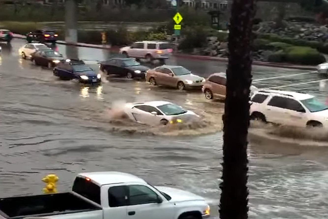 Lamborghini Gallardo Wades Through San Diego Flood Waters