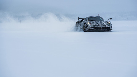 Pagani Huayra BC dancing on frozen lake is breathtaking