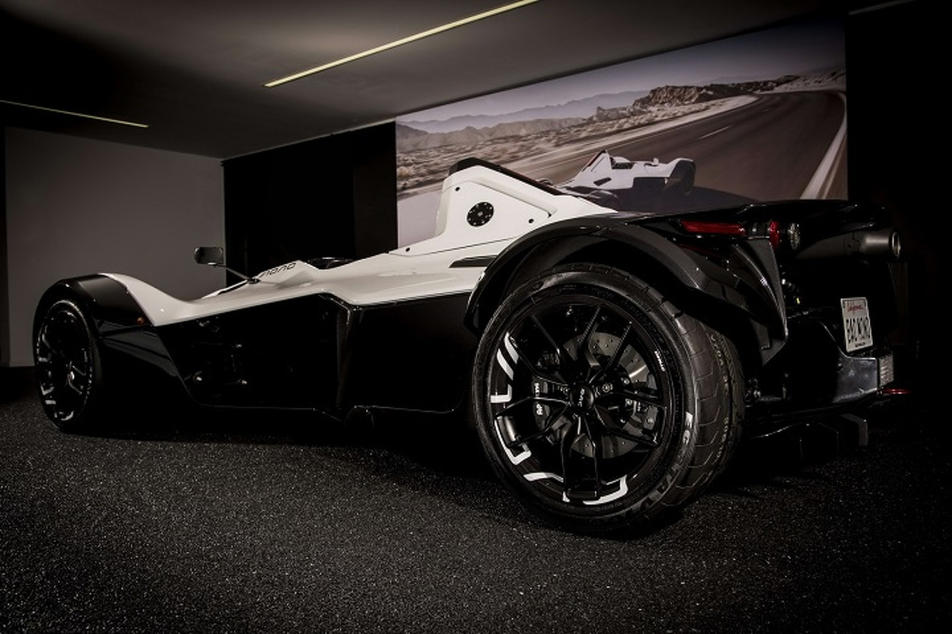 Track-Focused BAC Mono Gets Even Lighter With Carbon Composite Wheels