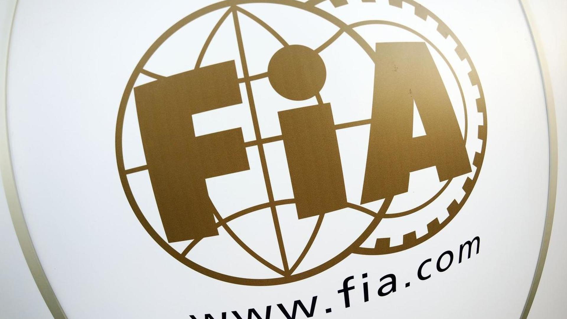 F1 management is 'blockage' for sponsors - Lopez