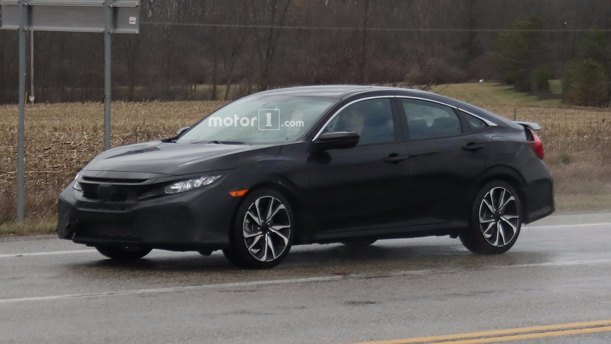 Honda Civic Si Sedan spied hiding its sporty face in Ohio