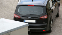 2010 Ford S-Max facelift spy photo in the Alps
