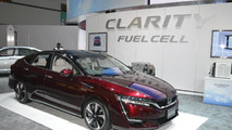 Honda Clarity Fuel Cell receives North American debut, goes on sale in late 2016