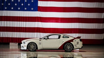 2014 Ford Mustang U.S. Air Force Thunderbirds Edition sold for 398,000 USD