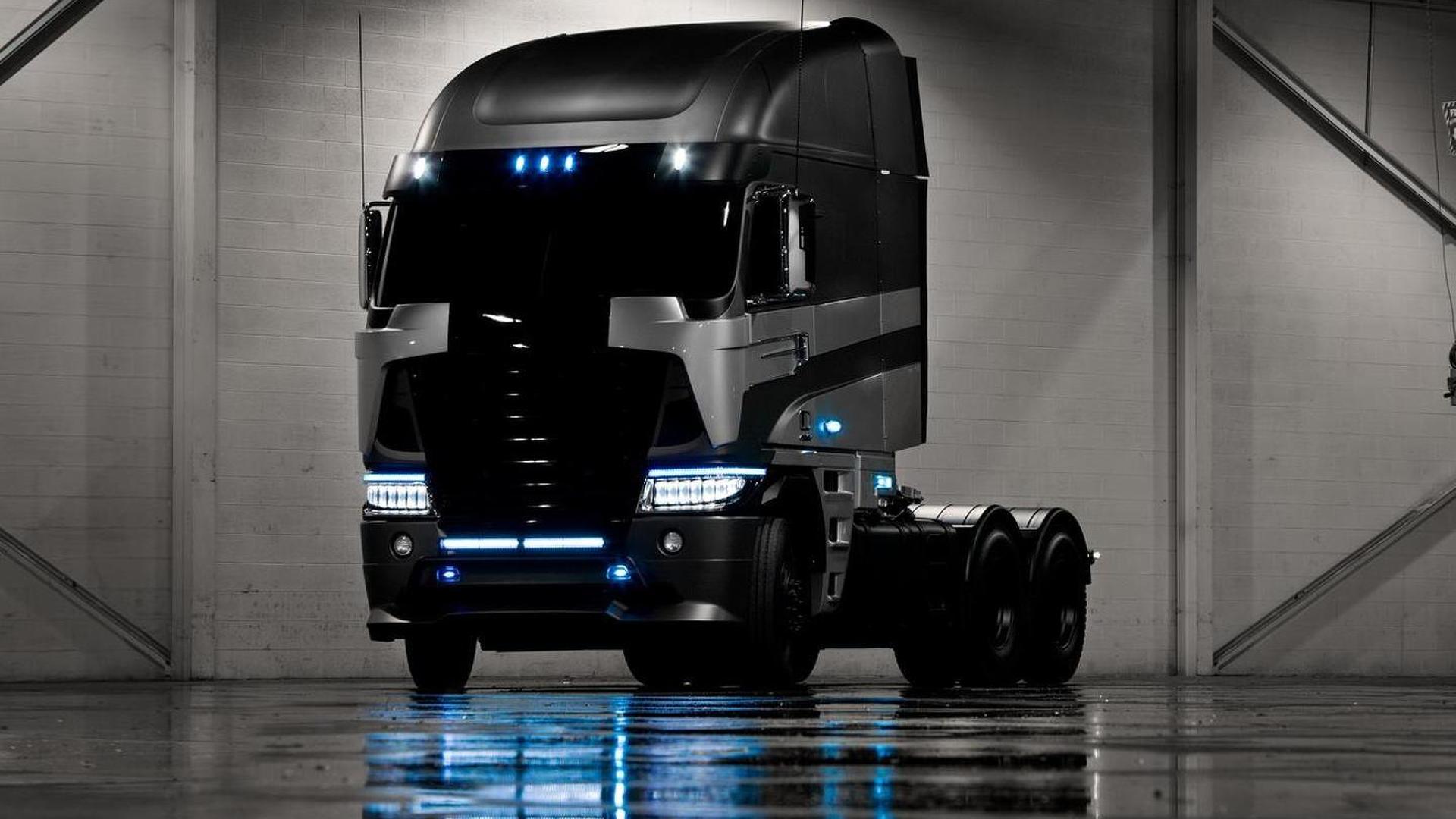 Michael Bay shows menacing Freightliner for Transformers 4