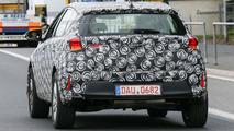 Toyota Auris Cross spy photo