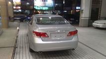 2010 Lexus ES 350 facelift spotted in dealership