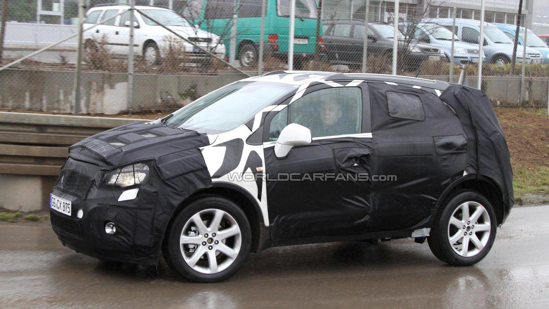 2012 opel 39 baby antara 39 suv spied. Black Bedroom Furniture Sets. Home Design Ideas