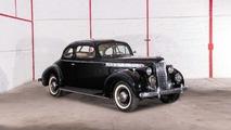 Lot 32 - 1940 Packard 110 Business Coupé