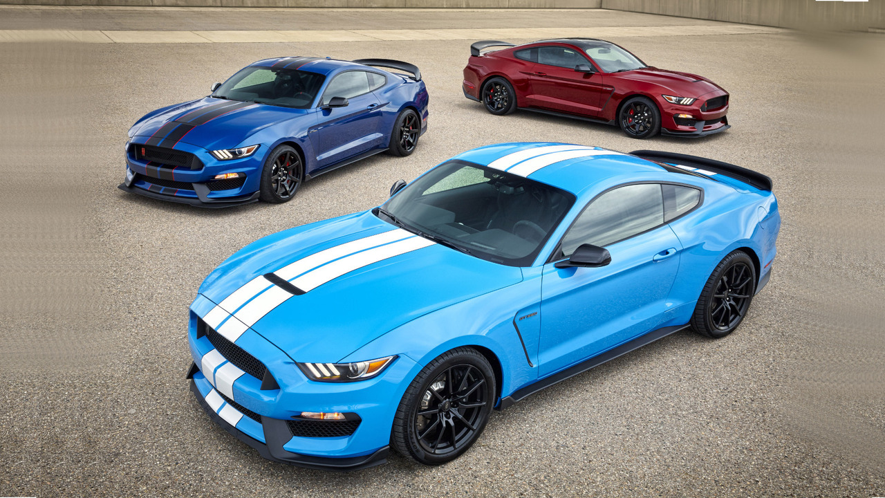2017 shelby gt350 mustang gains a standard track package. Black Bedroom Furniture Sets. Home Design Ideas